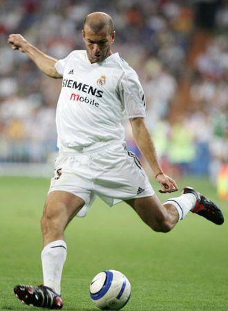 Zinedine Zidane. (Real Madrid, 2001/02 - 2005/06)