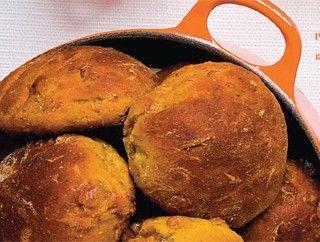 Pompoenbroodjes met pijnboompitten en gekonfijte sinaasappel