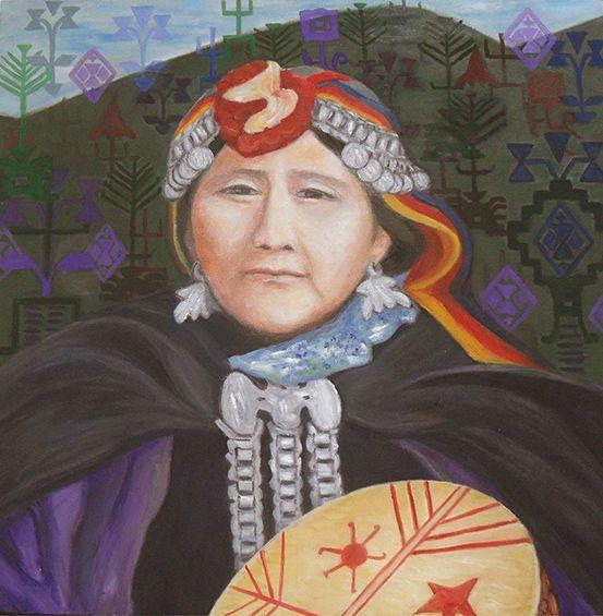 """""""Mujer mapuche, Virginia"""". Pintura al óleo sobre tela.   Retrato que representa a una mujer mapuche, Machi o chamán.  Con sus adornos y ropa original. En el fondo están presentes algunos símbolos mapuches, que se relacionan con esta mujer mapuche y su ser machi."""