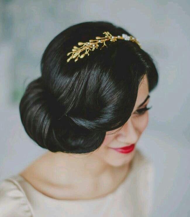 SOO gorgeous and she looks like Snow White!!