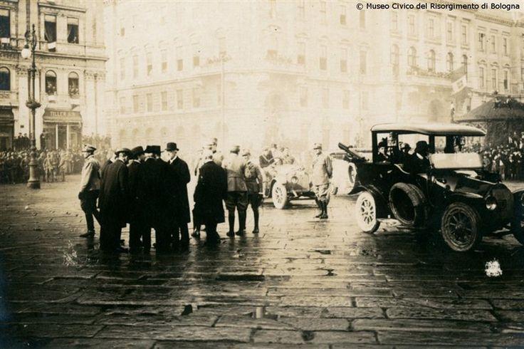4 novembre 1918 la Liberazione di Trieste. La rivista in Piazza dell'Unità alla presenza di S. E. il Generale Petitti di Roreto - Governatore della città