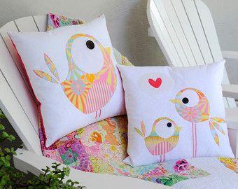 Happy Little Rabbits Applique Cushion PDF от claireturpindesign & Best 25+ Owl applique ideas on Pinterest | Free applique patterns ... pillowsntoast.com