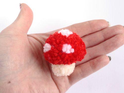 Craft Tutorial: Pom Pom Mushroom