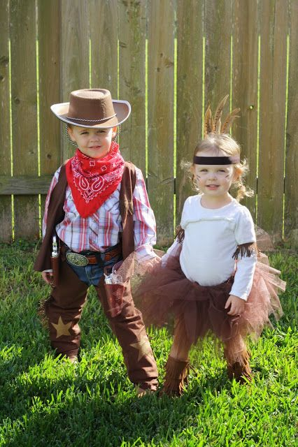 {The Boyd Family} Super cute costume ideas for next year!