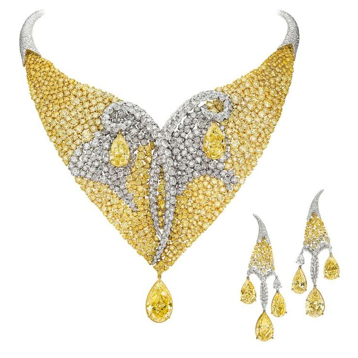 Boghossian Les Merveilles Meche diamond necklace and matching earrings. The pear-cut Fancy yellow and Fancy light yellow diamonds on both jewels total more than 45 carats. Discover the Les Merveilles jewellery collection by Boghossian that makes diamonds appear to float on thin air: http://www.thejewelleryeditor.com/jewellery/article/boghossian-les-merveilles-jewellery/ #jewelry