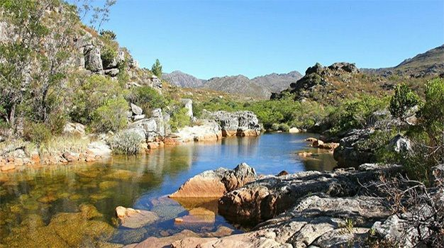 Bain's Kloof Pass ...