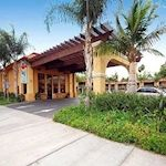 stanford inn suites, free bfast, 2 rooms 2 baths, no free shuttle, free parking,   $703 for checkin mon checkout friday