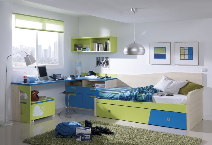 Фото: спальня для мальчиков, оформленная в пастельных тонах