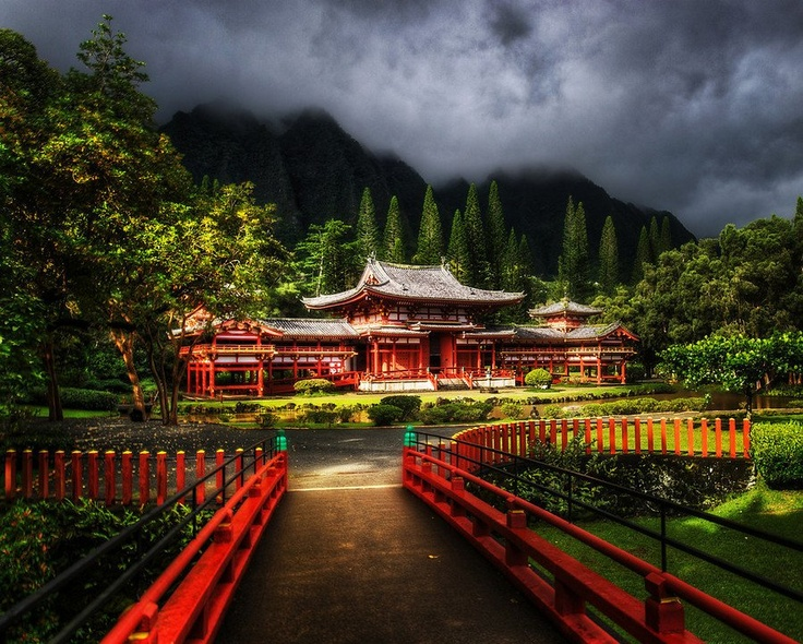 The #Byodo-In #Temple in #Oahu with many layers of #clouds and mist in the background. from #treyratcliff at http://www.StuckInCustoms.com - all images Creative Commons Noncommercial