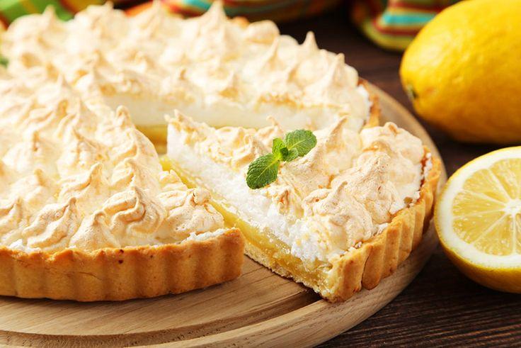 """El Pie de limón, o más conocido por su nombre en Inglés, """"lemon pie"""", una receta donde el sabor del jugo de limón fresco y ralladura de limón con merengue"""