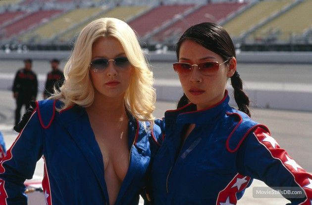 Charlie's Angels. Drew Barrymore and Lucy Liu (2000)