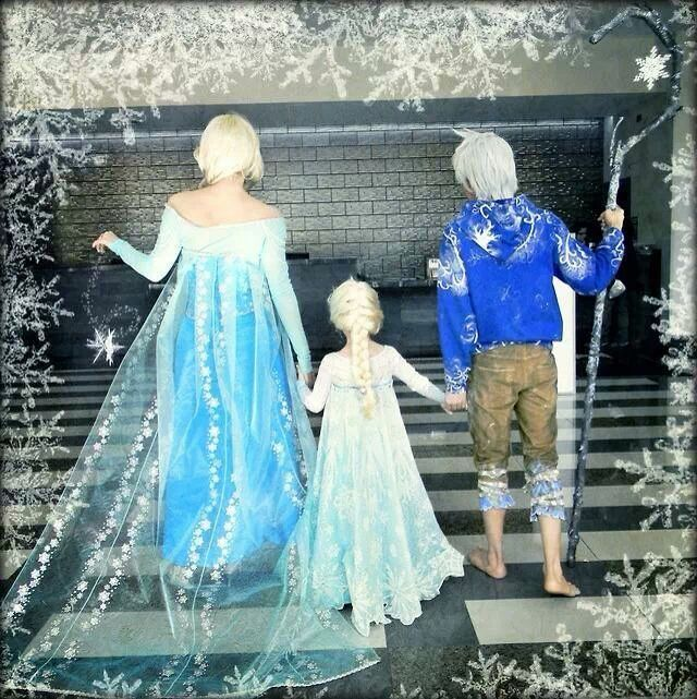 This is so precious! Jack Frost would make the perfect husband to Elsa! And then have a little snow princess!! Family COSPLAY FTW!!