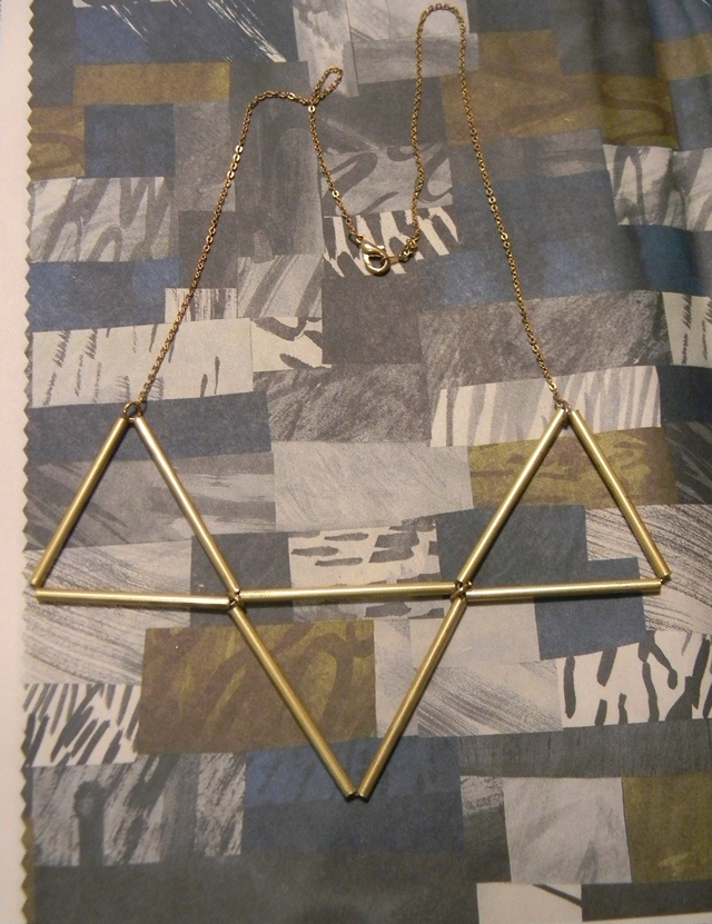 Triangle necklace. Idea from I spy diy.