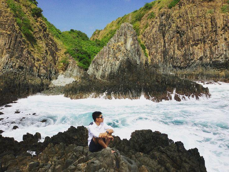 Lombok?? Siapa sih yang tidak mengenal pulau yang satu ini, pulau yang terletak di provinsi Nusa Tenggara Barat yang terkenal akan budayanya dan pariwisatanya. Serta Pulau yang menurut saya sangat nyaman untuk dikunjungi. Salah satu pariwisata yang ingin saya bagikan di artikel saya ini mengenai pantai semeti, yap siapa sih yang tidak tahu kalau lombok …