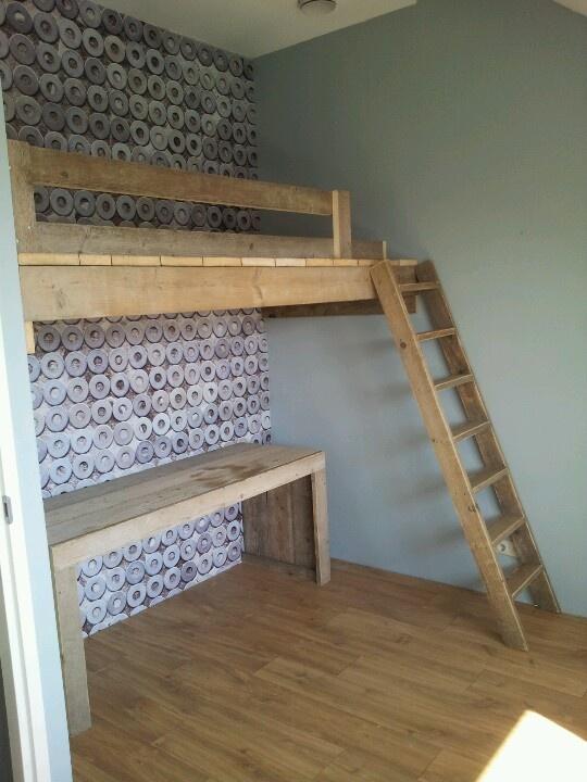 Slaap vide met trap steigerhouten meubelen pinterest lofts and room - Loft bed met opbergruimte ...