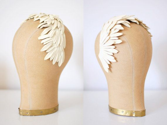 I think this would make an amazing headpiece for a wedding day!