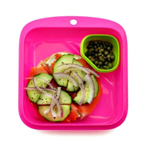 Eat healthy and easily too with the Goodbyn Salad or Sandwich Box. This BPA-free, reusable lunch box is an easy-to-pack and carry food container designed for versatility with a 3-cup compartment perfectly sized for a full sandwich or a salad. #forschool #backtoschool #ecolunchbox