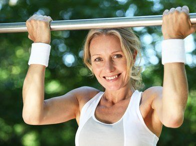 How Pull-Up Bar Workouts Can Help You Get Fit for Cheap | Cheapism