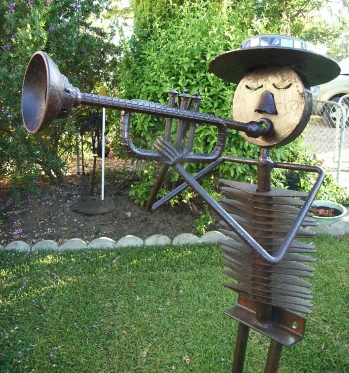 273 best sculpture ideas images on pinterest faces for Welded garden art designs