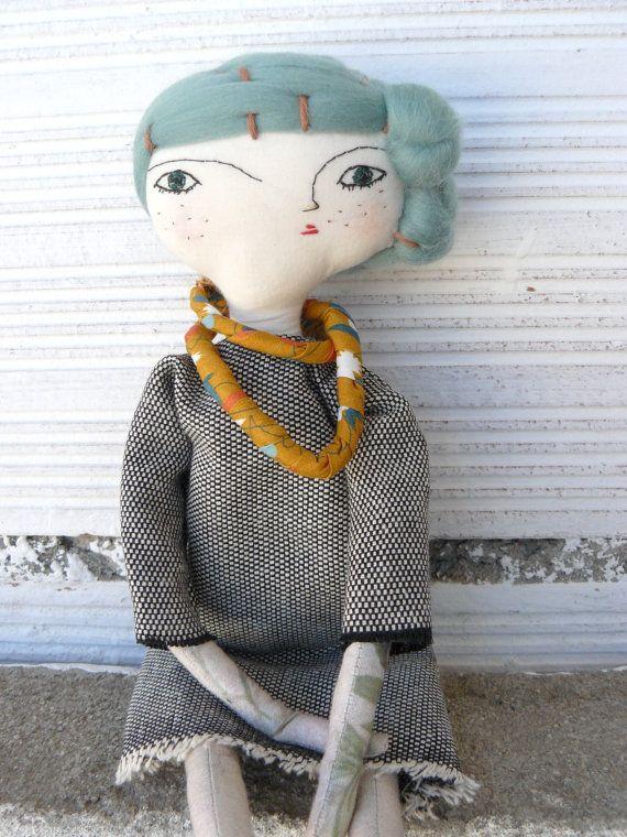 Arte bambola con i capelli in cotone cucito a di AntonAntonThings