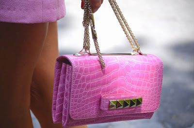 Valentino Rockstud CollectionPink Valentino, Fashion Weeks, Paris Fashion, Woman Fashion, Fashion Clothing, Handbags, Clutches, Street Style