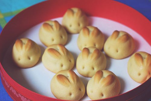 bunny bread... how cute are these!: Rabbit, Cookies, Food, Easter Bunnies, Ears, Bunnies Rolls, Breads Rolls, Biscuits, Easter Ideas