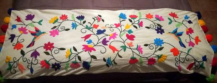 Pie de cama  Bordado a mano pedilo en www.facebook.com/LupitaBordados