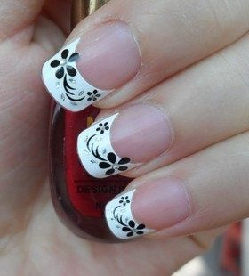 Cute black and white #nails www.finditforweddings.com