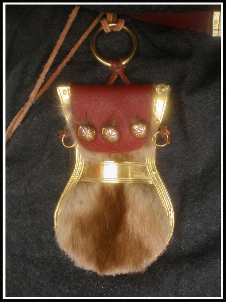 Norse Lyre purse - original is from Birka.