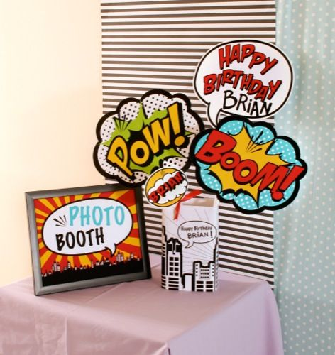 DIY Photo Booth Ideas meets SUPERHEROS: love these comic book and pop art…