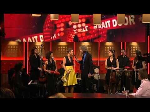 ▶ De minuut: Maite Hontelé - Charanga pa' Maite - 15-5-2012 - YouTube