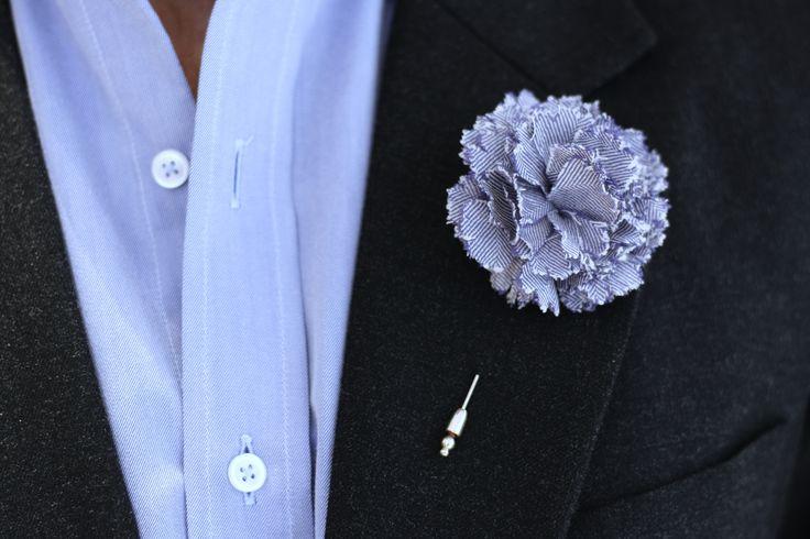 Cinabre - Boutonnière - Oeillet en laine à motif chevron violet.  #buttonhole #man #accessory #fashion #wedding #mariage #weddingday #baby