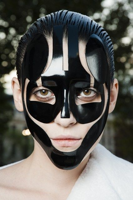 Alexander McQueen Spring 2015 mask by Pat McGrath