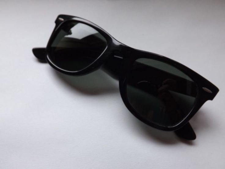 VINTAGE BAUSCH & LOMB B&L RAY BAN USA BLACK EBONY WAYFARER