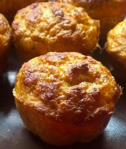 Magdalenas de Atún y Tomate para #Mycook http://www.mycook.es/receta/magdalenas-de-atun-y-tomate/