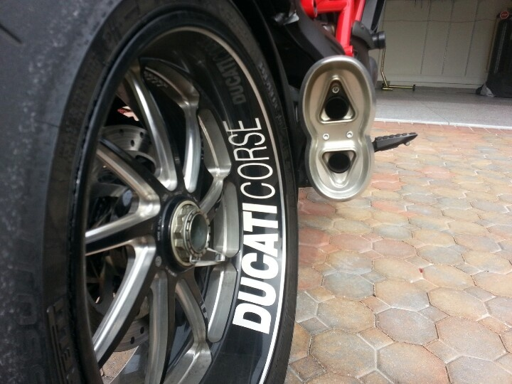 Ducati Diavel And Zard Exhaust