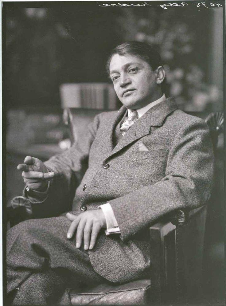 Ady Endre (1877-1919) a huszadik század egyik legjelentősebb magyar költője. A magyar politikai újságírás egyik legnagyobb alakja.