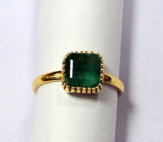 Vintage Emerald Ring 18 K solid gold Emerald ring 9398