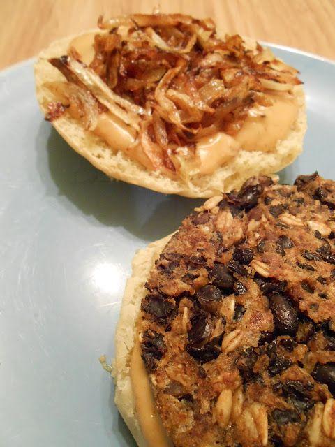 Burger haricots noirs et sauce chipotle-queso
