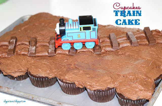 I Dig Pinterest: Simple Cupcakes Train Birthday Cake