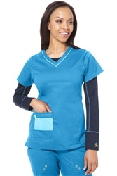 Stretch material moves and breaths with you in this group friendly top. Cute + Sporty scrub top at #Scrubs.com. #Antidote Uniforms 112 - 3-Pocket Reflex Top in Kinetic Blue