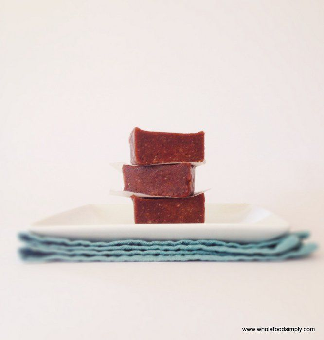 Truly divine chocolate fudge. It takes 3 ingredients and 1 minute to make. Free from gluten, grains, dairy and refined sugar. Try it. Today.