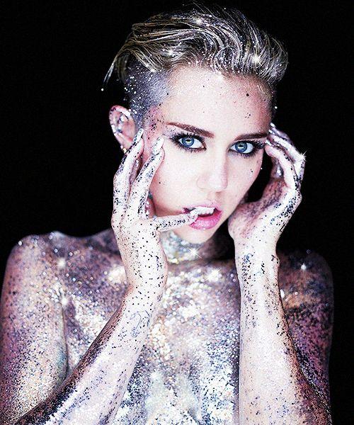 Miley Cyrus  @ kn0wy0u.tumblr.com