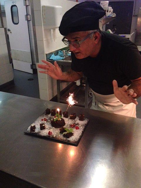 ¡Triple cumpleaños en nuestro hotel de #Barcelona Vincci Marítimo4*!  ¡Felicita a este trio de compañeros que hoy tiene un año más de sabiduría!  http://tgbe.ws/5gsyj8  En la foto: Ali Asghar, pinche de cocina.