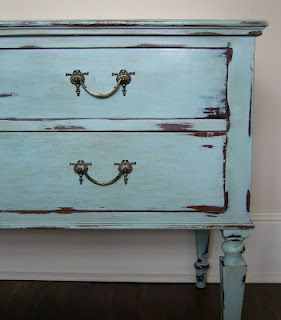 Chalk Paint Projects http://blogs.lowellsun.com/daleydecor/2013/05/23/chalk-paint-for-the-weekend-warrior/