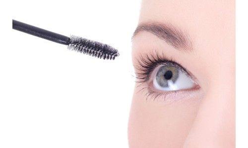 Grappige weetjes over mascara, dit wist je vast nog niet over je favoriete make-up product! Lees hier alle leuke weetjes en feitjes over mascara.