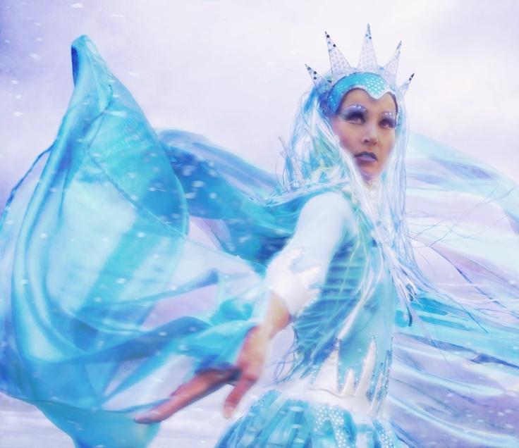 Costumes for Snow Queen Ballet. / Lumikuningatar baletin puvustusta.