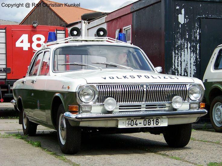ГАЗ 24 Волга FuStw - рации патрульный автомобиль Народной полиции ГДР - фотографировал на 25.07.2009 праздник в Музей в музей в голубой свет Beuster - Copyright @ Ральф Кристиан кункель