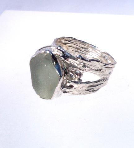 1533 Seafoam Offset Drizzle Ring