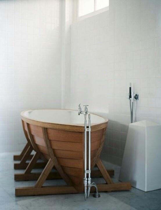 Ship bath tub